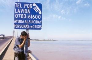 Crisis phone line, ligne d'appel, centre de crise, suicidaire, suicide, se suicider