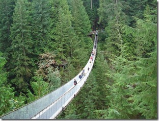 capilano-suspension-bridge-vancouver-colombie-britannique-pont-suspendu-lynn-valley