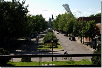 Rue Morgan vue du pavillon du Parc Morgan - Au bout, le marché Maisonneuve - Photographie Pierre Chantelois