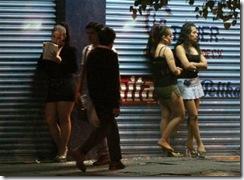 prostitution-escorte-prostituées-danseuses-nues-prostitution-de-rue-prostitution-en-plein-jour