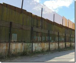 mur-nogales-douanes-américano-mexicaines-usa-mexique