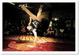 breakdance-event-breaker-show-break-spectacle-breakdancing