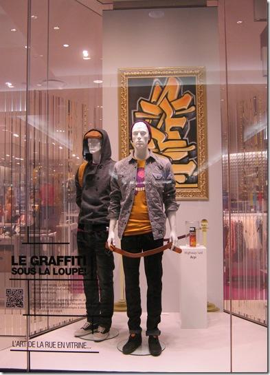 art urbain vernissage exposition vitrine maison simons graffiti vitrine