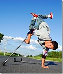 lazy-legz-breaker-ill-matic-bequille-breakdance-breakdancing-hiphop-break-handicap