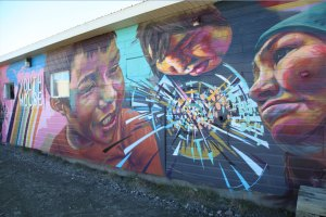 murale Kangiqsujuaq Youth House graffiti grand nord inuit