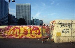 metro-jane-borden-art-rue-fleurissent-paris-graffiti-art-urbain-france