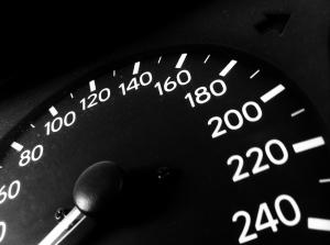 speedometer vitesse volant course automobile alcool