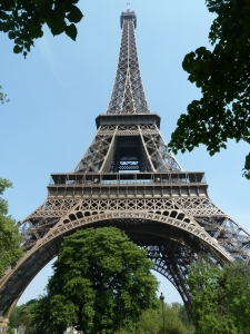 eiffel-tower-paris-tour voyage france tourisme immigration