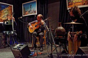 Trio guitare, percussions et contrebasse bistro le ste-cath restaurant est montréal