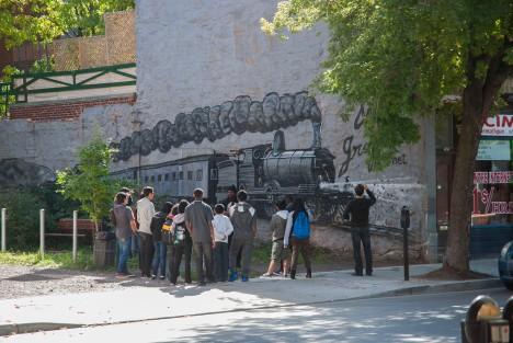 fresque murale graffiti train de glace hochelaga maisonneuve longueuil