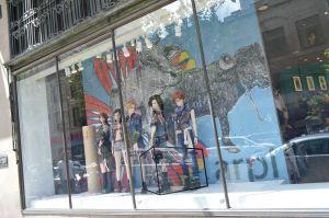 arpi maison simons vitrines street art urbain graffiti