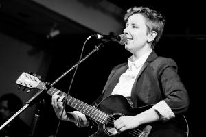 Catherine Dagenais auteur compositeur interprète spectacle chanson musique