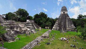 Tikal_mayan_ruins_international coopération