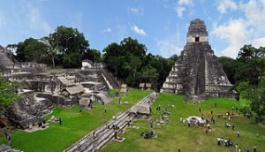 Tikal_mayan_ruins_international coopération