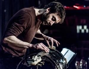 Philippe Lonergan spam guitare percussions spectacle art oratoire